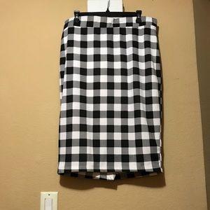 Black & white checkered Torrid pencil skirt